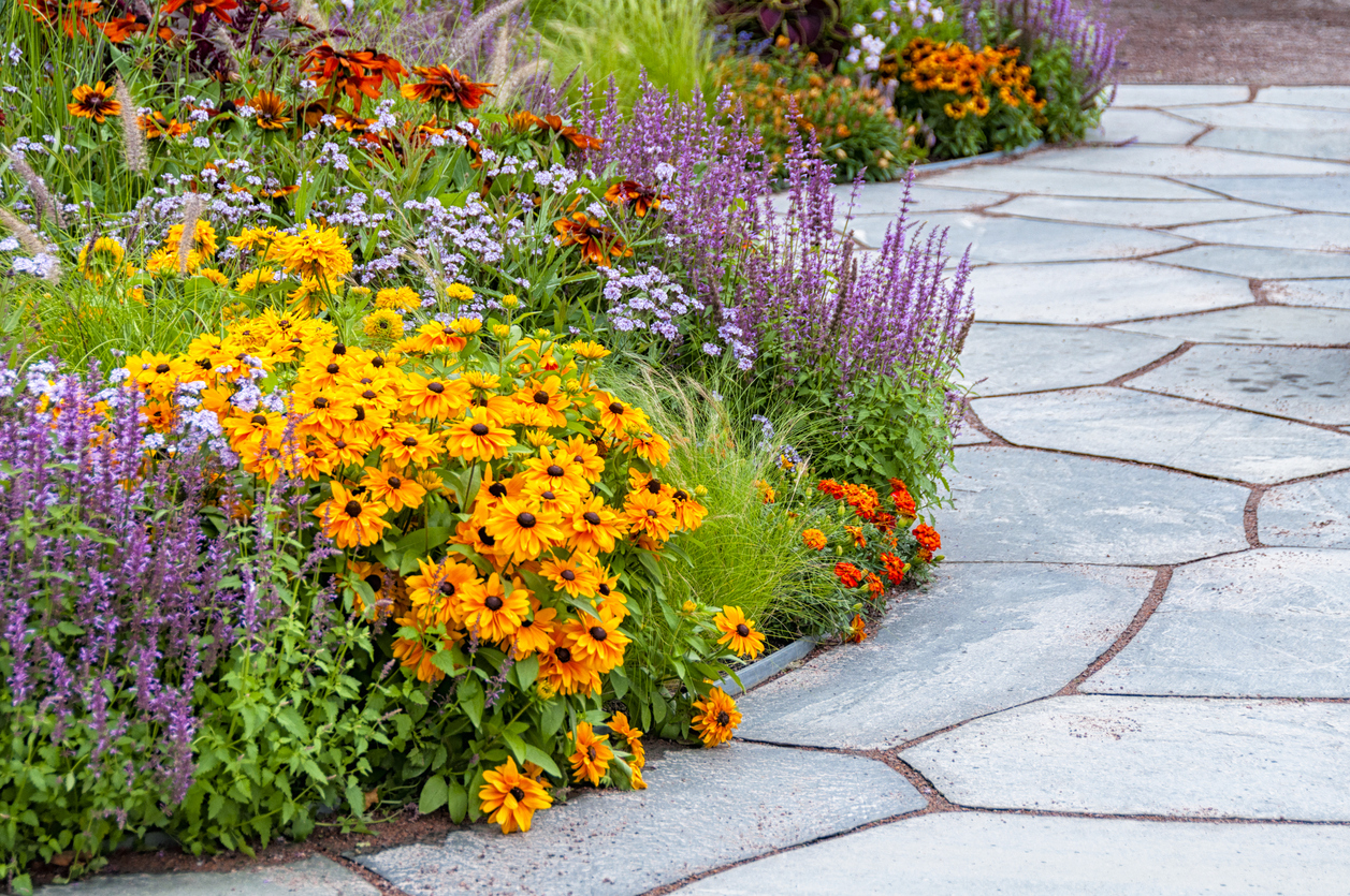 Installing A Flagstone Walkway In Your Garden
