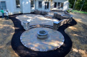 Finnerty Patio w Pit where to place it 300x198 Fire Pits: Where to Place