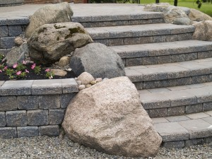 hardscaping materials 300x225 How to Choose Hardscaping Material