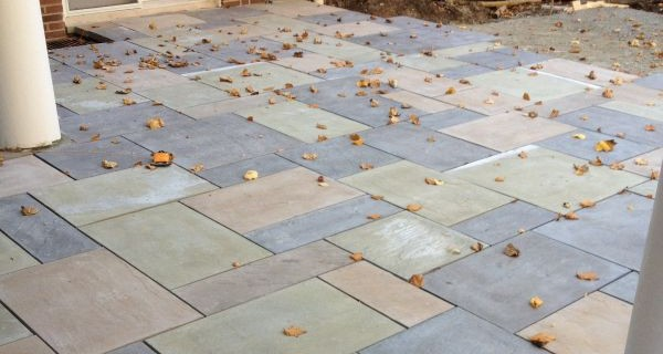 pavers e1527192781354 How to Choose Pavers and Slabs