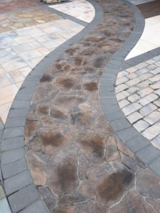 Border 2 e1534537415271 225x300 Choosing the Right Border for Patio or Walkway