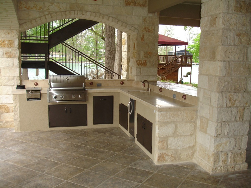 outdoor kitchen 1537768 1920 1024x768 Pro Tips: 5 Ideas to Create an Amazing Outdoor Kitchen