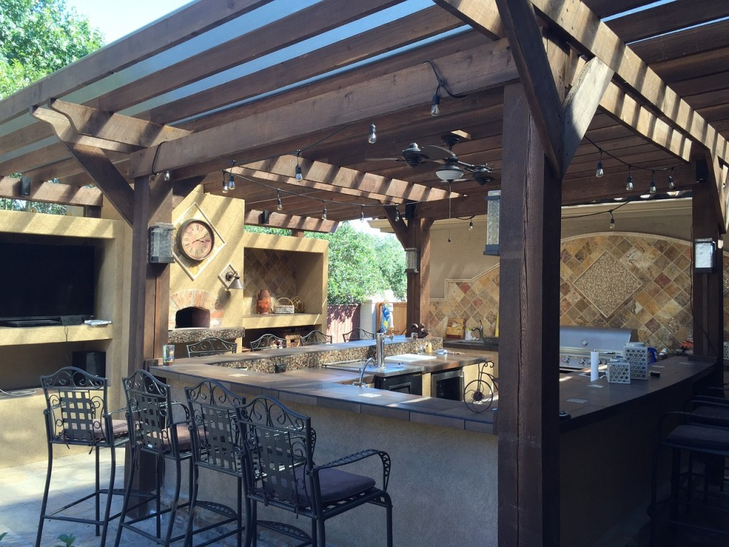 patio cover 1748371 1280 1024x768 Pro Tips: 5 Ideas to Create an Amazing Outdoor Kitchen